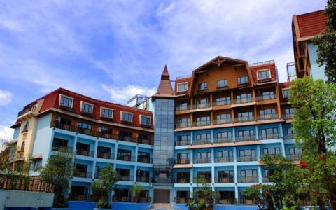 深圳东部华侨城黑森林酒店(正对茶溪谷