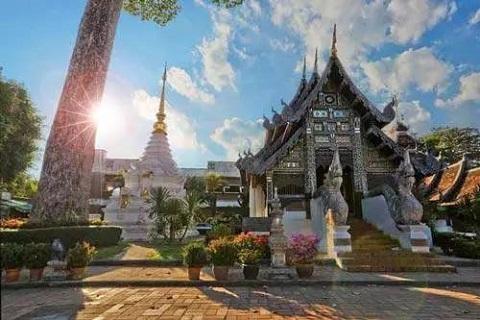 泰国清迈、清莱5天*风情之旅<大象营与象同乐,神秘长颈族,素贴山上双龙寺,人蛇表演>