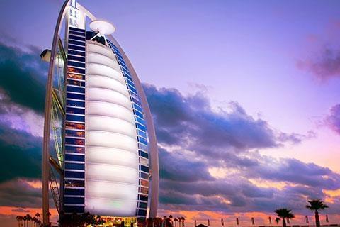 迪拜-【尚·休闲】阿联酋迪拜6天*特享大小帆船*超豪华酒店<帆船酒店美食,1晚小帆船酒店海景房,阿拉伯木船游运河>
