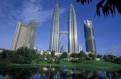 新加坡.马来西亚5天<经典抵玩.名胜世界.滨海湾花园>