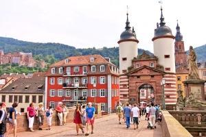 欧洲-【当地玩乐】欧洲德国海德堡+莱茵河谷城堡一日游 法兰克福往返(中文服务).等待确认