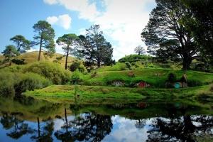 南北岛-【尚·博览】新西兰南北岛10天*冰川峡湾*乐游魔戒*广州或香港往返<纯净冰川,米佛峡湾,霍比特人村,皇后镇自由活动>