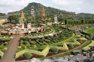 芭堤雅-【泰国芭堤雅当地一日游】 是拉差龙虎园 +乐羊家园+ 东芭文化村 +七珍佛山