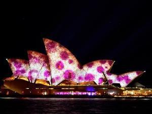 威尔士-【圆梦私人游艇】澳大利亚墨尔本、凯恩斯12天*百万游艇&直升机+龙虾餐+WIFI*上海往返*等待确认