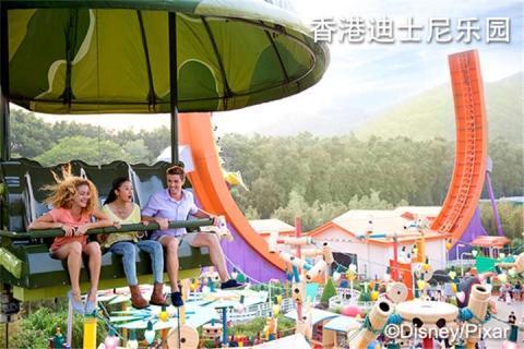 香港迪士尼乐园+东涌东荟城outlet闺蜜2天游