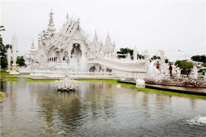 泰国-【誉·深度】泰国清迈、清莱、美塞5天*星级之旅<2晚超豪华酒店,黑白庙,丛林飞跃,美塞城边境游,清莱夜市>