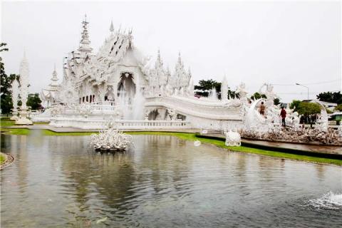 【誉·深度】泰国清迈、清莱、美塞5天*星级之旅<2晚超豪华酒店,黑白庙,丛林飞跃,美塞城边境游,清莱夜市>