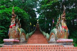 泰国-泰国【当地玩乐】代订清迈素帖山 双龙寺+苗人村 半日游*等待确认