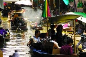 泰国-泰国【当地玩乐】代订曼谷安帕瓦水上市场+美攻火车市场+看萤火虫(中文服务)*等待确认