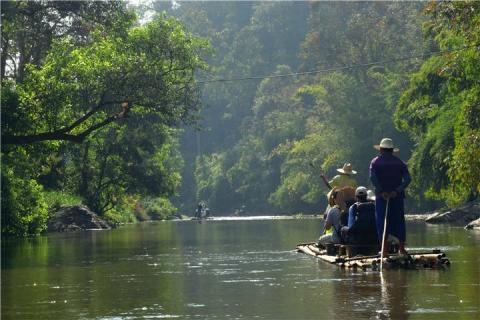 清迈-泰国【当地玩乐】代订清迈骑大象+丛林飞跃+坐竹筏一日游*等待确认