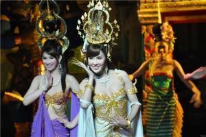 泰国-泰国【当地玩乐】代订芭提雅蒂芬妮人妖秀(VIP座)