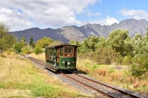 南非-【誉·深度】南非8天*精致尊享*广州往返<全程超豪华酒店,比林斯堡动物追踪,360度旋转观光缆车登桌山>