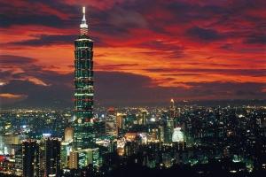 高雄-【誉·博览】台湾环岛8天*CWHD*超豪华<温泉,高铁,台式自助涮涮锅>