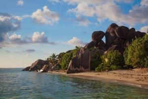 海岛-【自由行】塞舌尔8天*阿提哈德航空+玛雅奢华度假酒店全景泳池别墅*成都往返*等待确认