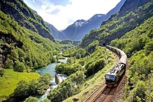 瑞典-【尚·深度】北欧四国12天*AYA*三峡湾*高山景观火车*峡湾游船*碧斯达冰川奇景<盖朗厄尔峡湾,哈当厄尔峡湾,松恩峡湾,游轮双人舱>