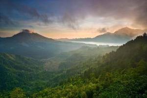 巴厘岛-巴厘岛经典一日游(乌布镇+金塔马尼火山+丛林瀑布)·等待确认
