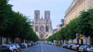 列支敦士登-法国 香槟产地 兰斯Reims一日游 (巴黎往返 导游陪同) ·等待确认