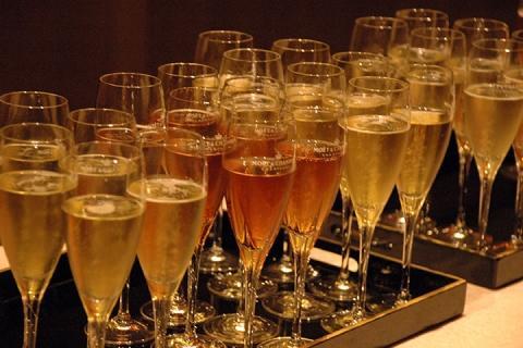 巴黎-巴黎 香槟酒区一日游(含特色法式午餐+香槟酒品尝)  ·等待确认