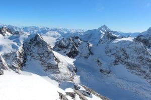 列支敦士登-瑞士 铁力士峰一日游 (苏黎世往返+卢塞恩观光+360度旋转缆车+冰川娱乐项目)  ·等待确认