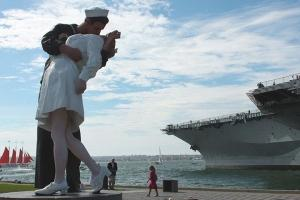 美国-美国圣地亚哥中途岛号航母,老城观光·等待确认