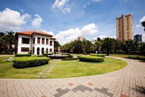 列支敦士登-广州直飞新加坡5天4晚自由行*新加坡瑞吉超豪华酒店.等待确认