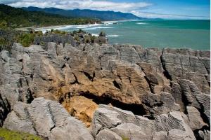 南岛-【尚·深度】新西兰南岛10天*纯玩*春节版*广州往返<直升机翱翔观冰川,米佛峡湾,萤火虫洞探索>