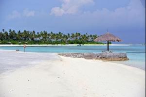 马尔代夫【移动-【自由行】马尔代夫(欢乐岛)5天*机+酒*广州往返*等待确认<含早午晚餐、性价比高、快艇上岛>