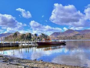 苏格兰-【跟团游】英国苏格兰高地12天*跟随电影去旅行:哈利波特蒸汽火车&探秘尼斯湖*北京往返*等待确认