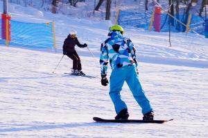 四川-【当地玩乐】成都-九鼎山1日往返车位+门票+全天滑雪套票