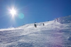 荔波-【誉•滑雪】贵州、安顺、六盘水、凯里、动车5天*<玉舍滑雪,温泉SPA、西江千户苗寨、黄果树>