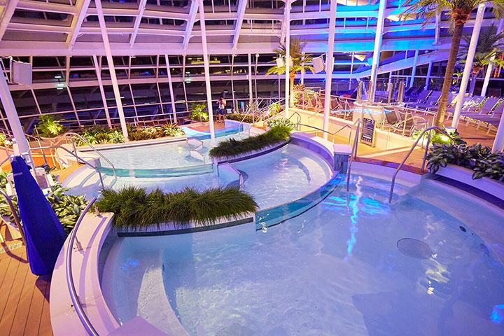 皇家加勒比海洋赞礼号香港-真美-芽庄-香港5晚6天