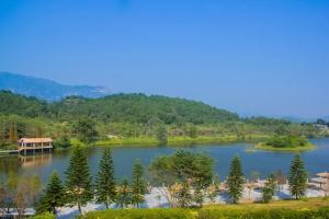 台湾-【赏花·美食】清远田野绿世界台湾风情生态休闲度假小镇1天*田野农家菜