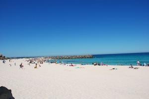 墨尔本-【典·博览】澳洲东西部(珀斯、悉尼、布里斯本、黄金海岸、墨尔本)12天*穿越东西澳*广州往返<尖峰石阵,哈雷摩托车,大洋路>