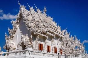 泰国-泰国【当地玩乐】代订清莱温泉白庙金三角美赛(含游船+含长颈族)一日游*等待确认
