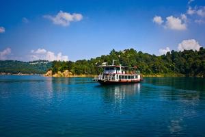 万绿湖-【佛山】河源2天*船游万绿湖、黄龙岩畲族风情体验、亚洲第一高音乐喷泉
