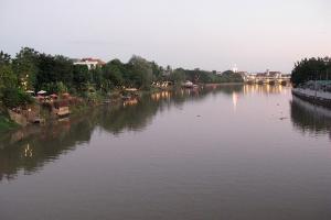 泰国-泰国【当地玩乐】代订清迈夜游湄滨河(含晚餐)*等待确认