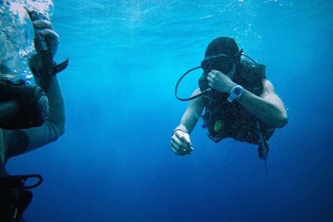<美娜多5/6/7天>初级潜水员-专业教练-免签证