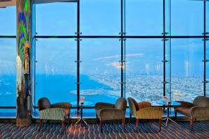 迪拜-【自由行】香港出发。塞舌尔(六善酒店)+迪拜(帆船酒店)双国9天6晚<阿联酋航空>。等待确认