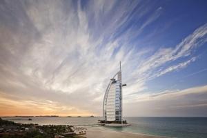 迪拜-【自由行】北京出发。塞舌尔(六善酒店)+迪拜(帆船酒店)双国9天6晚<阿联酋航空>。等待确认