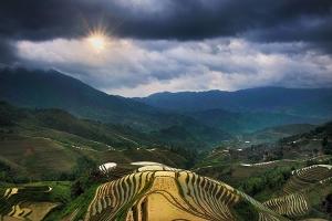 桂林-【尚·深度】桂林、南山牧场、龙脊、动车3天*竹筒饭*杀猪宴<草原皇牌>