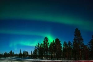 芬兰-【尚·猎奇】北极光专线极致体验、芬兰10天*寒假AYFC*北极圈圣诞老人玻璃屋*极地破冰*滑雪桑拿双体验<北极圈四晚,品尝帝皇蟹,狗拉雪橇,探访圣诞老人及北极圈证书,赠送WIFI服务>