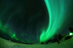 瑞典-【尚·猎奇】北极光专线极致体验、罗弗敦群岛、北欧四国11天*春节AYNT*北极森林树屋酒店*渔村木屋*极光列车<北极圈四晚,探访圣诞老人及北极圈证书,狗拉雪橇,赠送WIFI服务>