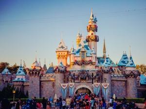 美国-【跟团游】春节美国加州9天*迪士尼、环球影城、圣地亚哥动物园、UCLA校园游*北京往返*等待确认
